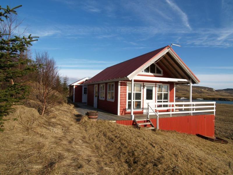 Our Little Red Cabin - Image 1 - Fludir - rentals