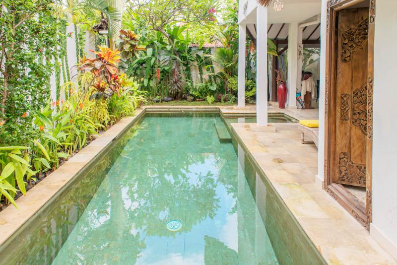 Refreshing pool - Villa Private, 2 bdr, Quiet at Séminyak Center - Seminyak - rentals