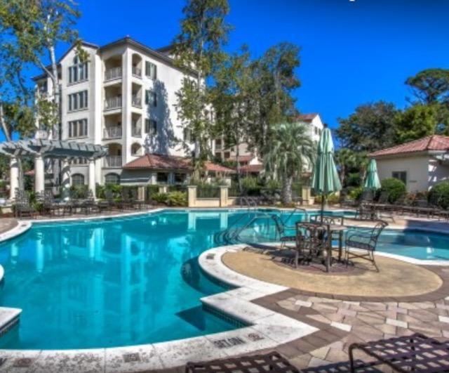 10% OFF -MAINSAIL-2 bdrm,Shuttle to Beach,Pool, - Image 1 - Hilton Head - rentals