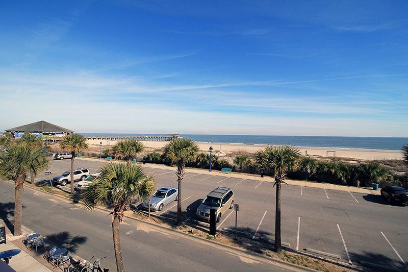 South Beach Ocean Condos - East - Unit 8 - Panoramic Oceanfront Views of Tybee Beach - FREE Wi-Fi - Image 1 - Tybee Island - rentals