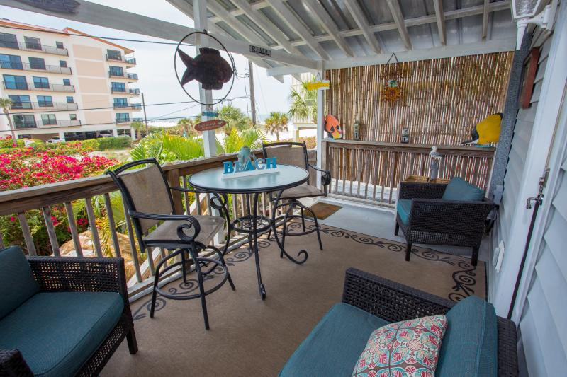 Private Deck Great view of the Beach - Romance On The Beach! Great View of the Beach! - Clearwater - rentals