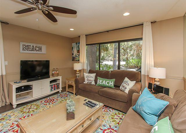Living Area - 178 Greens- Pretty Golf Course Views and Quick Walk to Beach & Tennis - Hilton Head - rentals