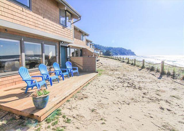 Luxurious Neskowin Oceanfront Sleeps 7! - Image 1 - Neskowin - rentals