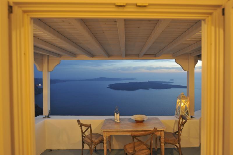 Villa Makros - Image 1 - Santorini - rentals