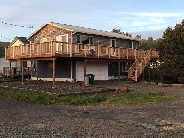 Exterior - Large Rockaway Beach Home, Steps to the Beach - Rockaway Beach - rentals