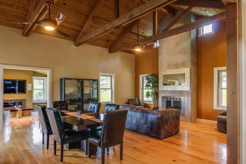 Upscale mountain view farmhouse w/ home theater & patio! - Image 1 - Cambria - rentals