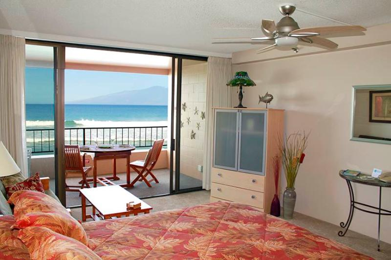 Maui Kai #307, Beautiful Oceanfront Junior Suite - Image 1 - Lahaina - rentals