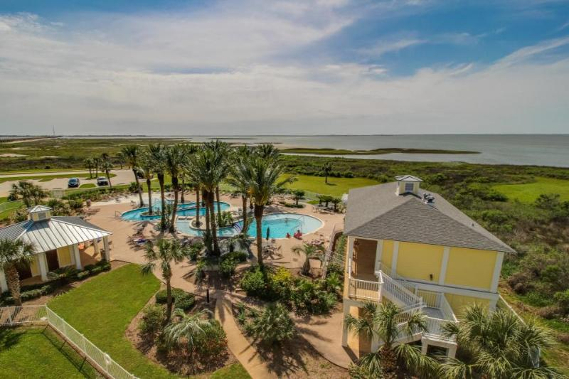 Stunning bayside condo close to the beach with shared pools! - Image 1 - Galveston - rentals