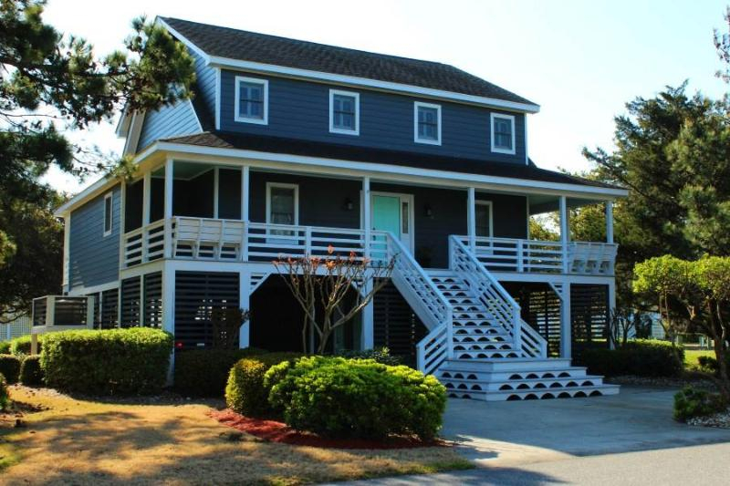 Spacious canalfront 5BR - Spinnaker Village #27 - Image 1 - Manteo - rentals