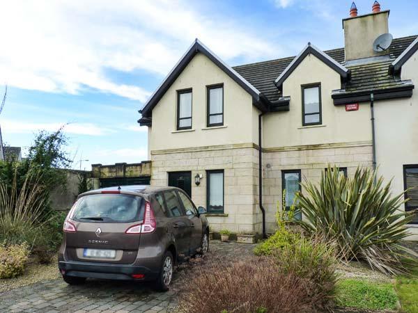 17 AN ROSEN, pet-friendly stylish cottage, open fire, garden, Dungarven Ref 928889 - Image 1 - Dungarvan - rentals