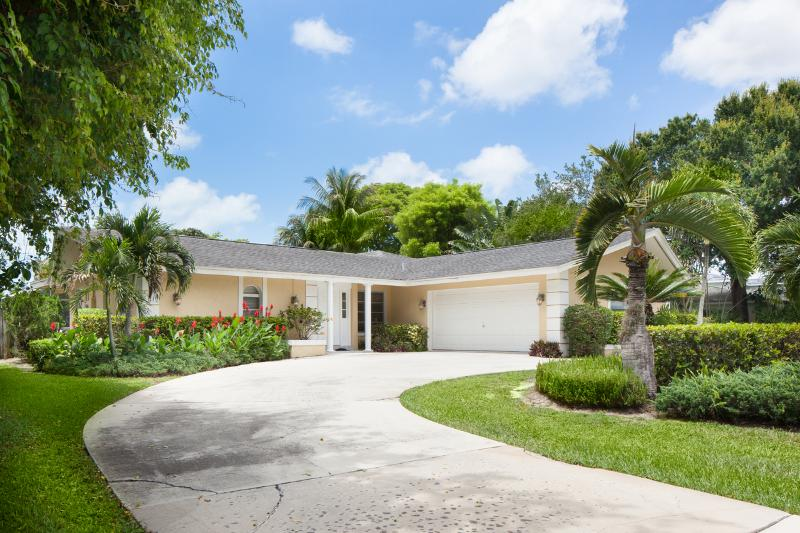 Beautiful Home Set in Expansive Private Grounds - Walk to Private  Beach from Luxury Pool Home - Naples - rentals