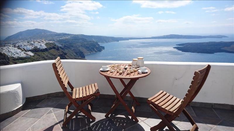 Santorini   -Gv -  Vista Caldera Private House with amazing views over the caldera at Imerovigli sle - Image 1 - Imerovigli - rentals