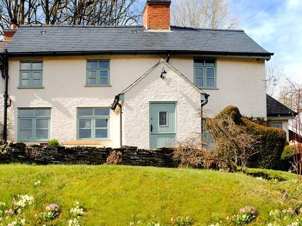 TOP COTTAGE, character cottage, woodburners, WiFi, gardens, Llangunllo Ref - Image 1 - Knighton - rentals