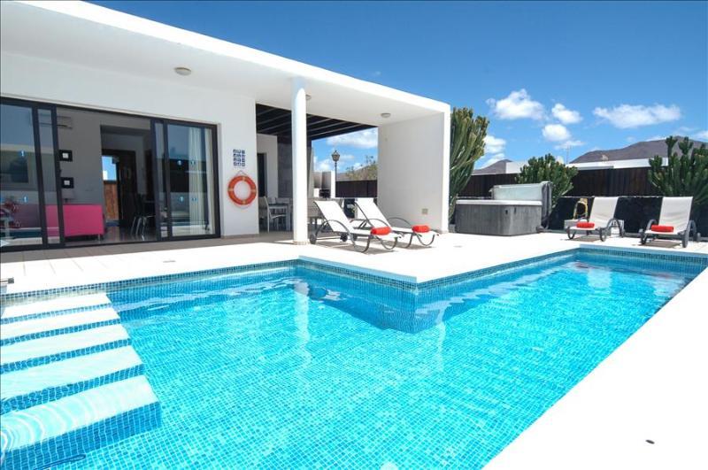 Villa LVC196809 - Image 1 - Playa Blanca - rentals