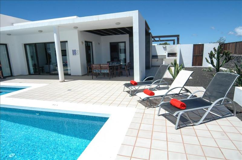 Villa LVC198549 - Image 1 - Playa Blanca - rentals