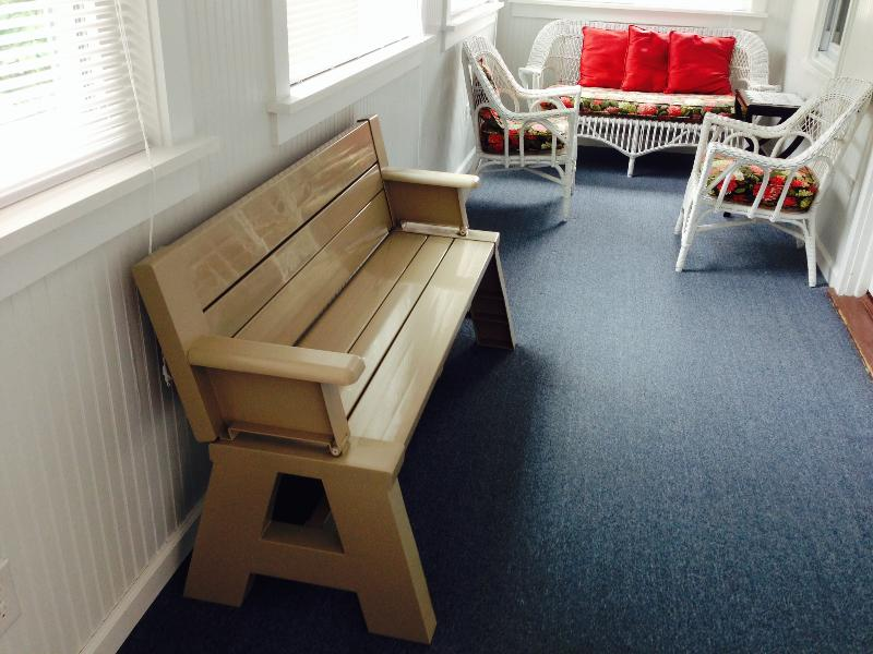 Bench/optional fold down table for children - Ocean Blk, -Free Parking-Taking Spring/Summer Rese - Rehoboth Beach - rentals