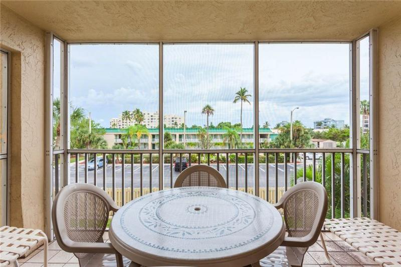 Sand Caper 202, 2 Bedrooms, Gulf Front, Elevator, Heated Pool, Sleeps 6 - Image 1 - Fort Myers Beach - rentals