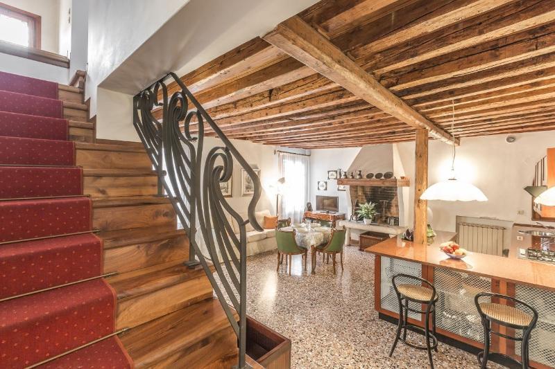 Cavana - Two bedrooms romatic apartment in Cannareggio - Image 1 - Venice - rentals