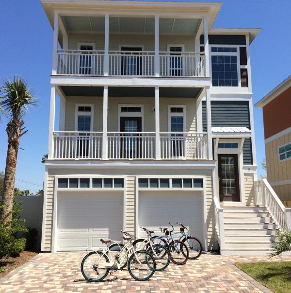 4 beach cruisers are included with this beautiful 5 bedroom Miramar beach home. - Destin 5 BR, Private Pool, Walk Beach, Golf Cart - Miramar Beach - rentals