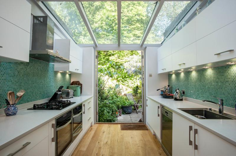 4 bed townhouse, Oakford Road, Tufnell Park - Image 1 - London - rentals