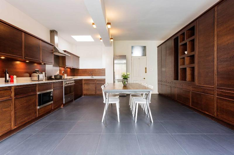 A smart and trendy house in North London. - Image 1 - London - rentals