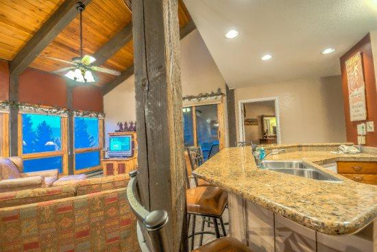Beautiful Vaulted Ceilings With Open Living Room And Kitchen With Marble Counters  - Lodge B307 - Steamboat Springs - rentals