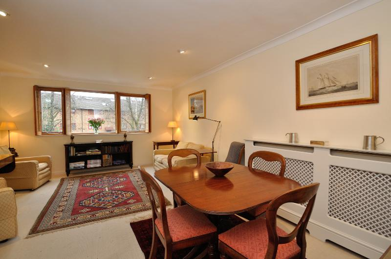 Two Bed, Bartle Road, Notting Hill - Image 1 - London - rentals