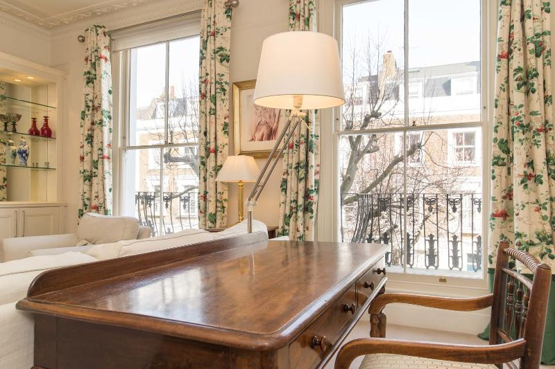 Stunning 3 bedroom home in the heart of Notting Hill - Image 1 - London - rentals