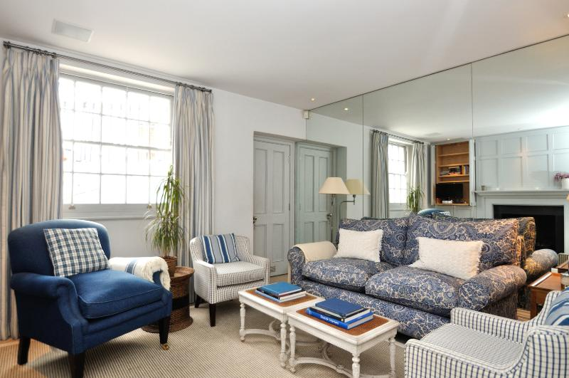 3 Bed house, First Street, Knightsbridge... 5 mins to Harrods! - Image 1 - London - rentals