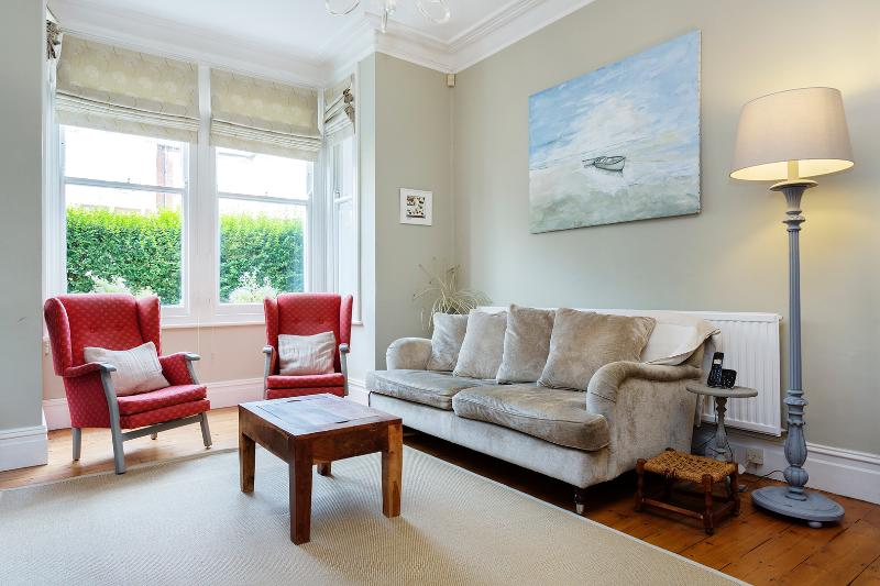 4 bed family home, Killyon Road, Clapham - Image 1 - London - rentals