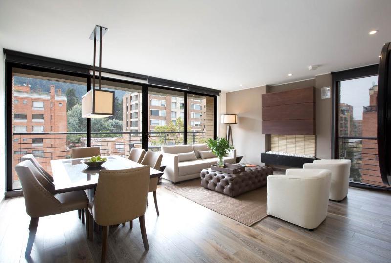 Majestic 2 Bedroom Apartment in the Heart of Parque 93 - Image 1 - Bogota - rentals