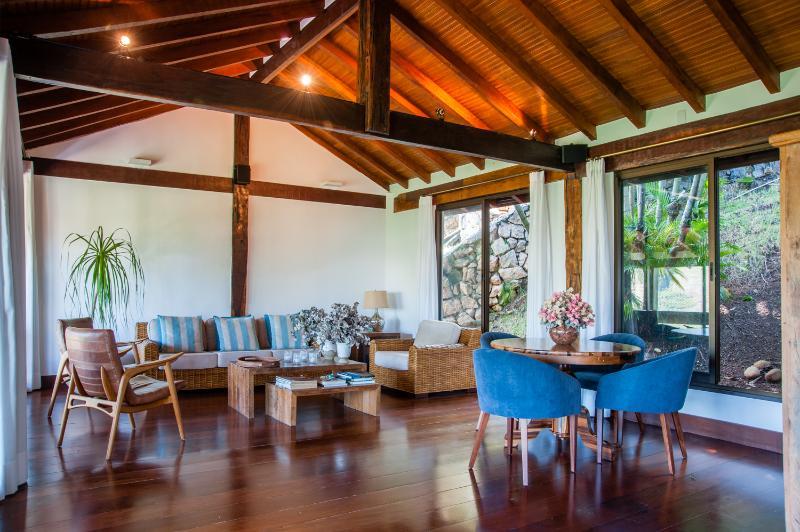 Lovely 4 Bedroom House in Barra da Tijuca - Image 1 - Rio de Janeiro - rentals