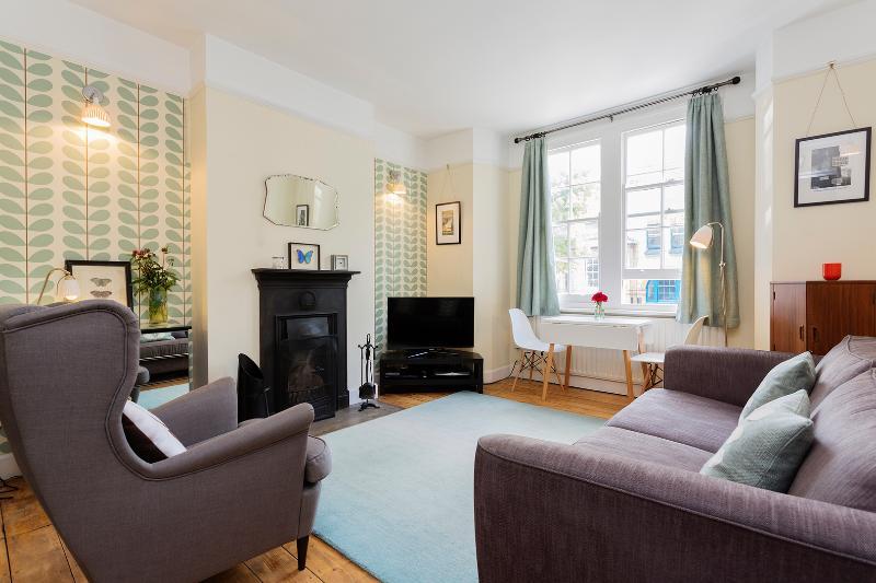 2 Bedroom Flat, Central London, - Haberdasher Street - Image 1 - London - rentals