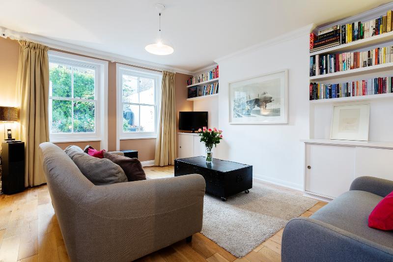 Lovely 3 bedroom garden flat, Mornington Avenue, Kensington - Image 1 - London - rentals