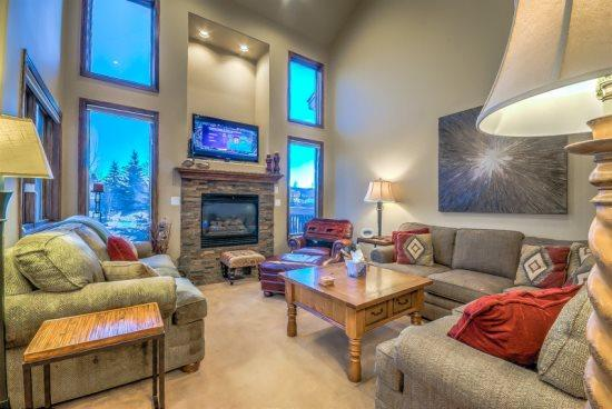 Main Living Area - Bear Cub Chalet - Steamboat Springs - rentals