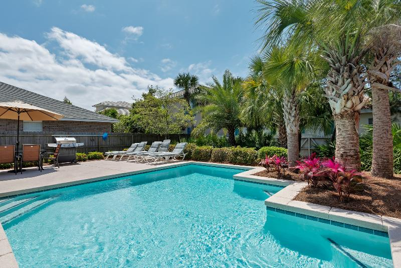 Private Pool with underwater benches - Open Christmas! Pre-lit tree with ornaments! - Miramar Beach - rentals