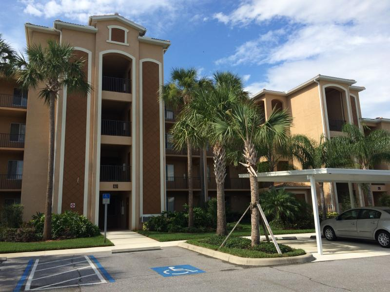Condo building exterior (front) - River Strand Community: Unlimited Golf, Tennis. - Bradenton - rentals