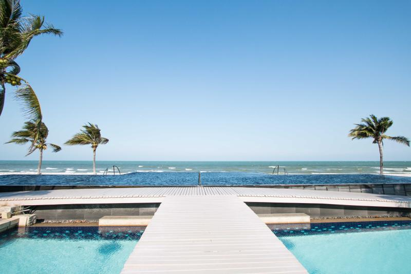 5 Bedroom Luxury Beachfront Villa - Image 1 - Hua Hin - rentals