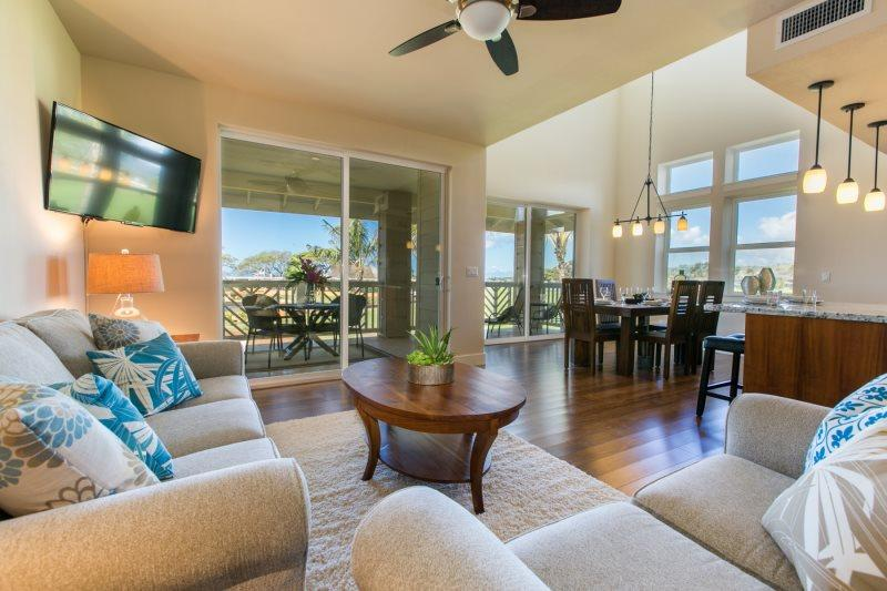 Living Room and Dining Room - Pili Mai 11I-Awesome 3 bedroom air conditioned condo on the Kiahuna golf course - Koloa-Poipu - rentals