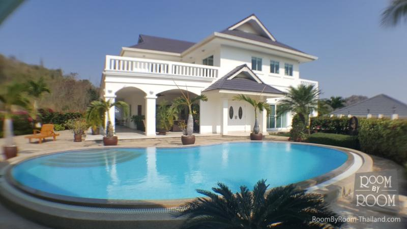Villas for rent in Hua Hin: V6228 - Image 1 - Hua Hin - rentals