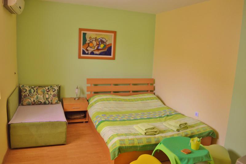 Green room - Image 1 - Ohrid - rentals