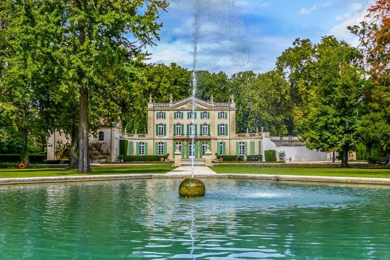 Chateau Ventoux, Sleeps 18 - Image 1 - Sarrians - rentals