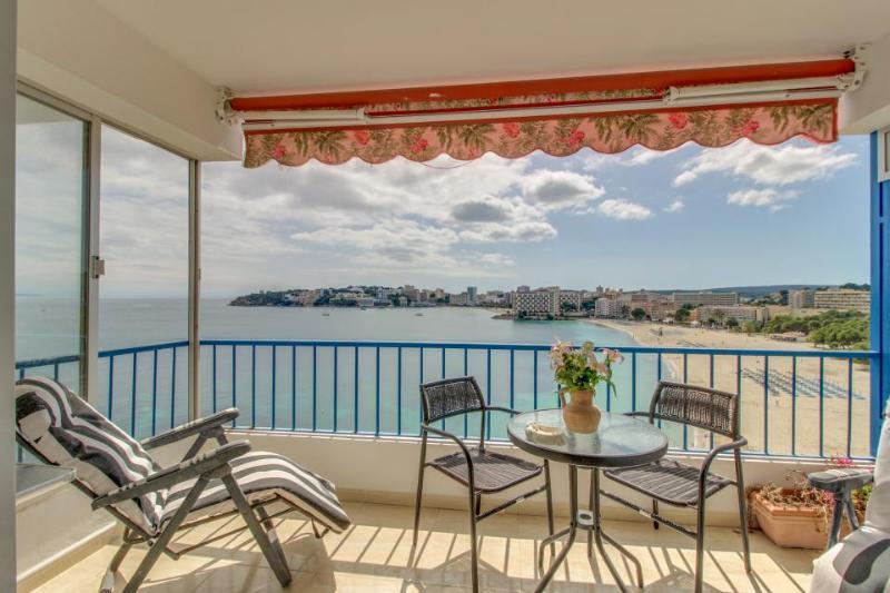 Seaside condo w/ terrace, stunning sea views & beach access! - Image 1 - Palma Nova - rentals
