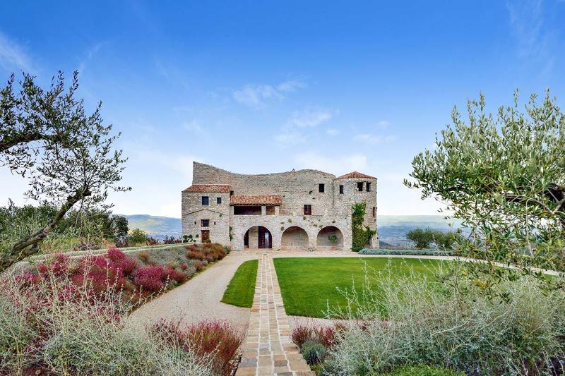 Castello Sant'Eurasia, Sleeps 16 - Image 1 - San Lorenzo di Trevi - rentals