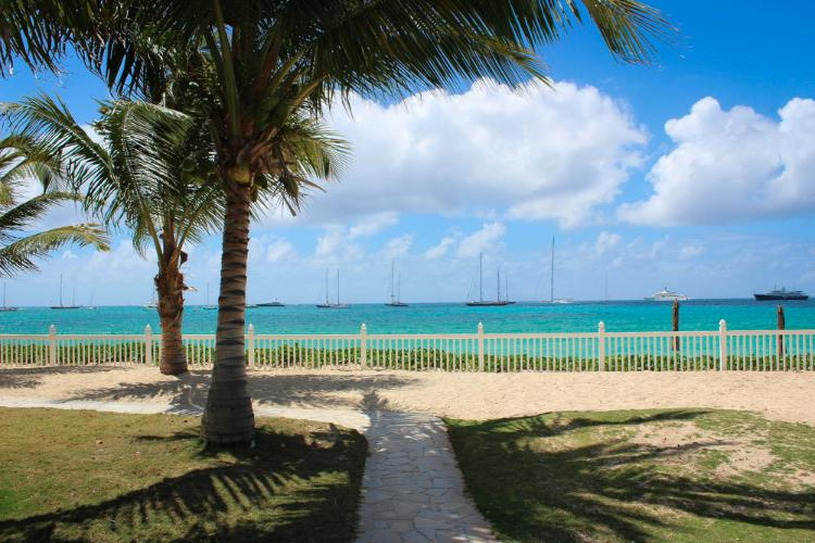 Beachside Condo @ Palm Beach... Simpson Bay, St Maarten 800 480 8555 - BEACHSIDE CONDO... you can't get much closer to the beach than this!! - Simpson Bay - rentals