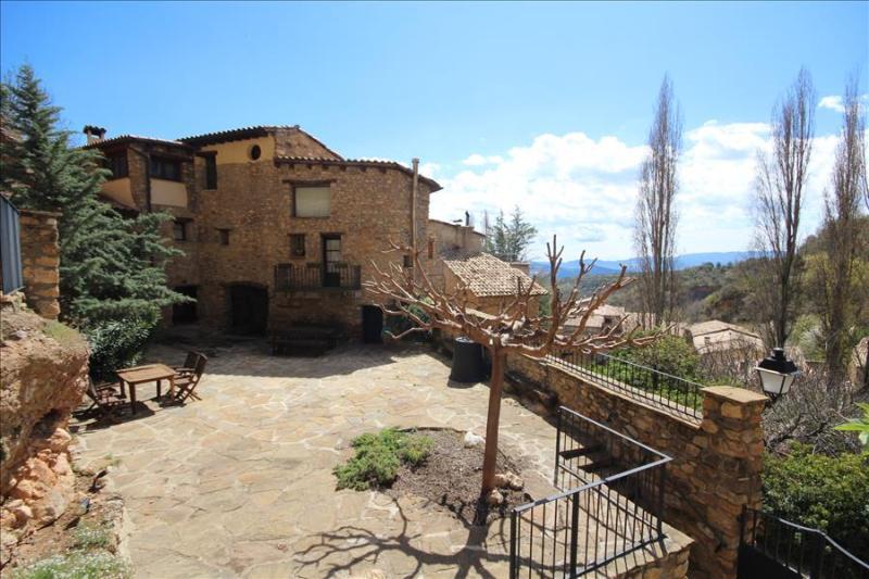 Casa Servent - Image 1 - Salas de Pallars - rentals