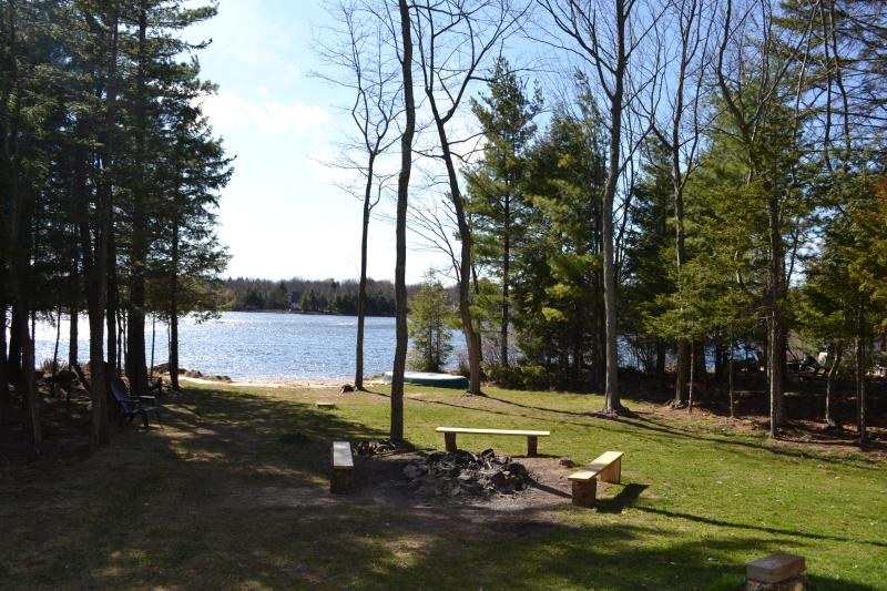 Lakefront ! - LAKEFRONT! By Kalahari waterpark, Camelback,Casino - Pocono Summit - rentals