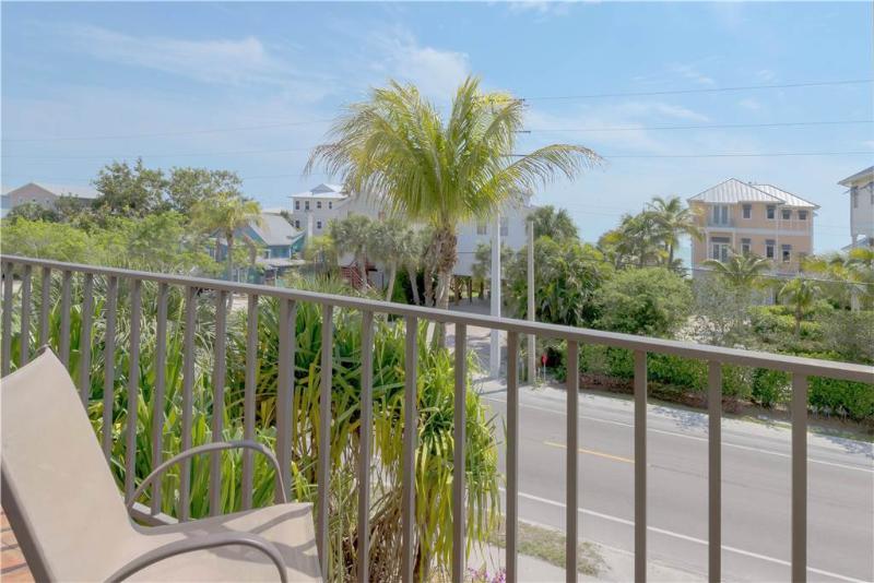Casa Bella Manor, 4 Bedrooms, Gulf View, Sleeps 12 - Image 1 - Fort Myers Beach - rentals