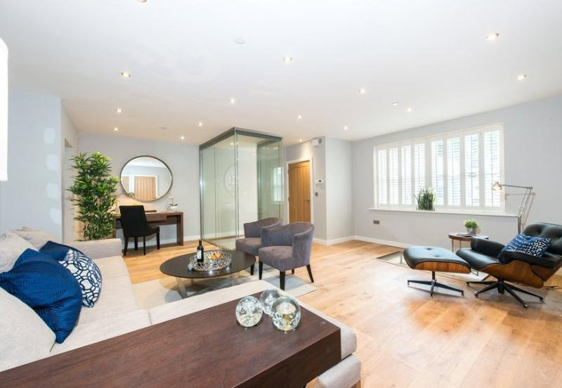 Spacious 4 Bedroom Mews House in Notting Hill - Image 1 - London - rentals