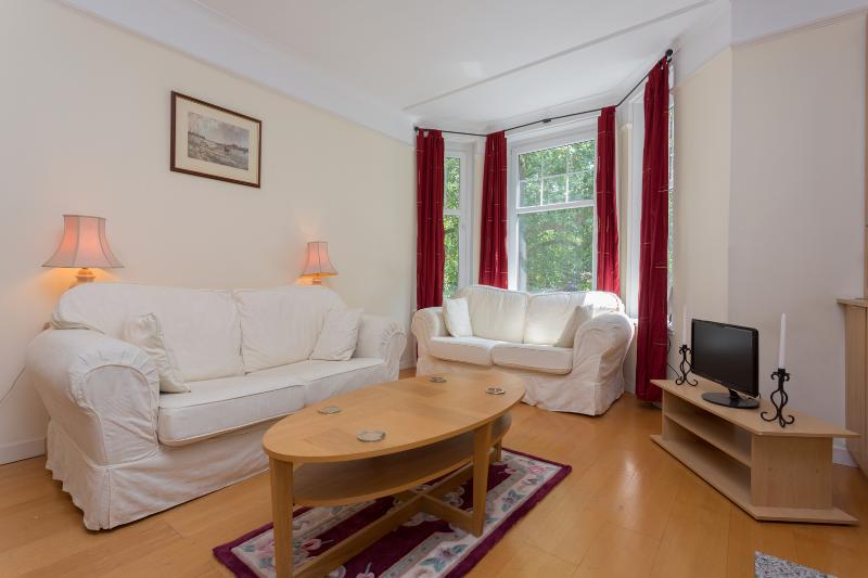 2 Bedroom West End Apartment - Red Lion Square - Image 1 - London - rentals